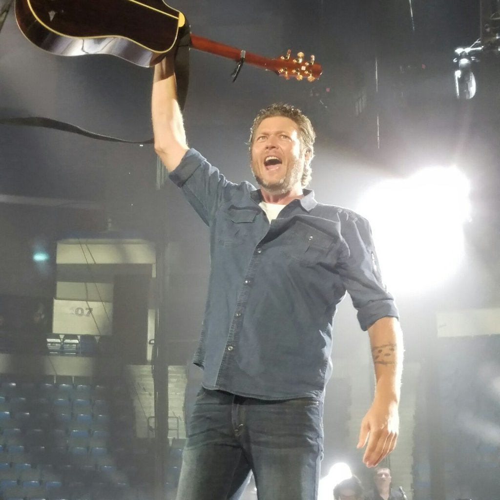 """Blake Shelton: """"He Sounds Even Better Live Than On His Records"""""""