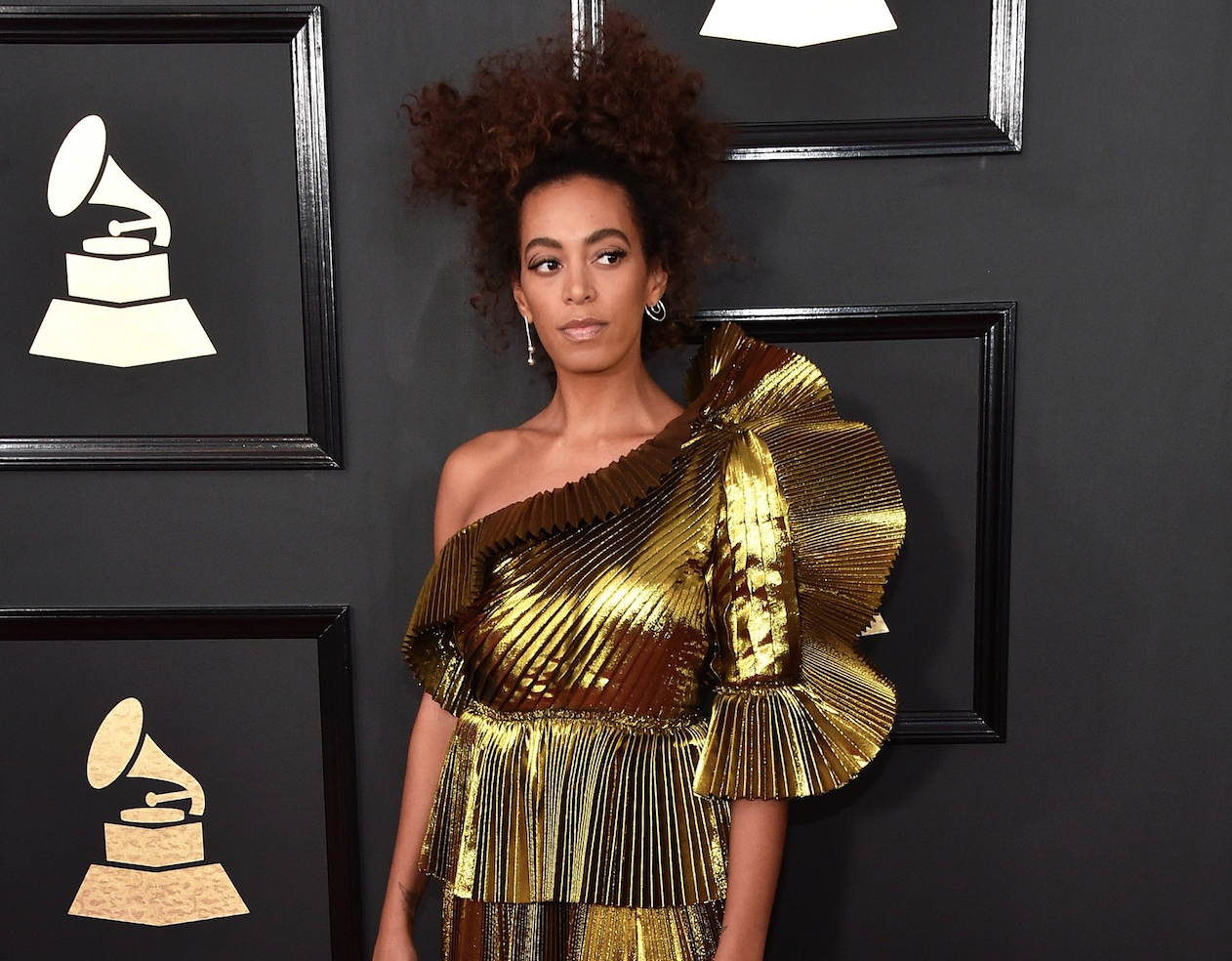 Grammys: Best and Worst Dressed