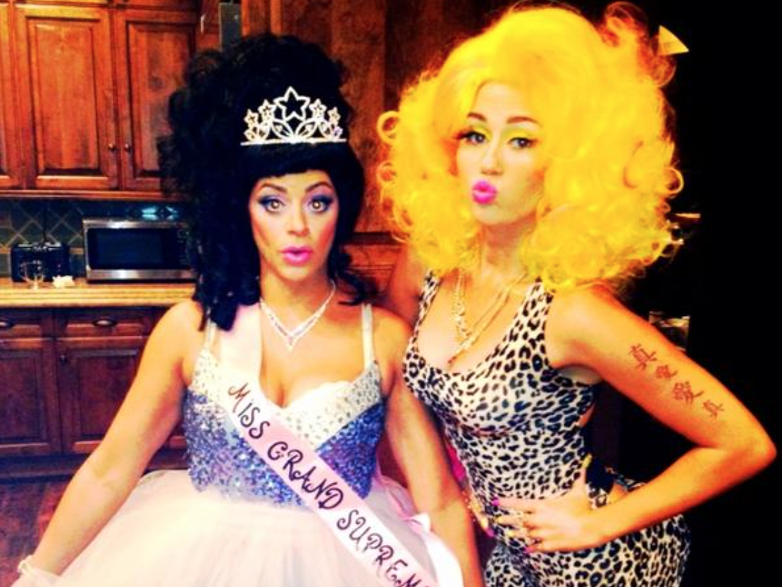 9 Times Musicians Dressed Up As Other Musicians For Halloween
